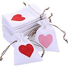 Bolsas de corazones para regalos invitados