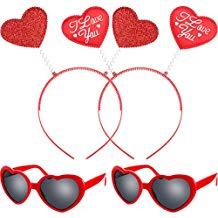Gafas de sol y diademas corazones
